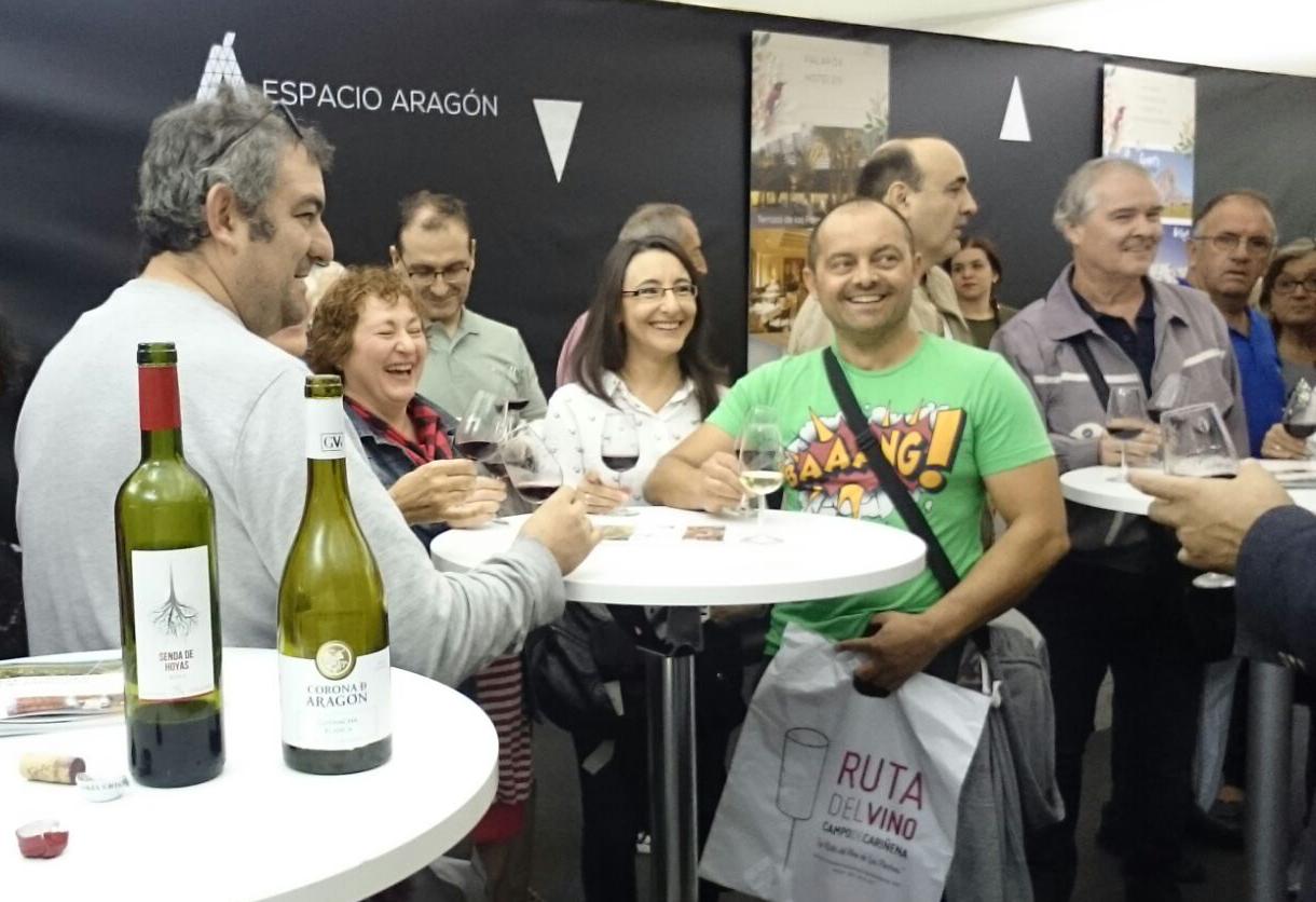 ¡300 zaragozanos y visitantes cataron Enoturismo de Aragón en las Fiestas del Pilar!